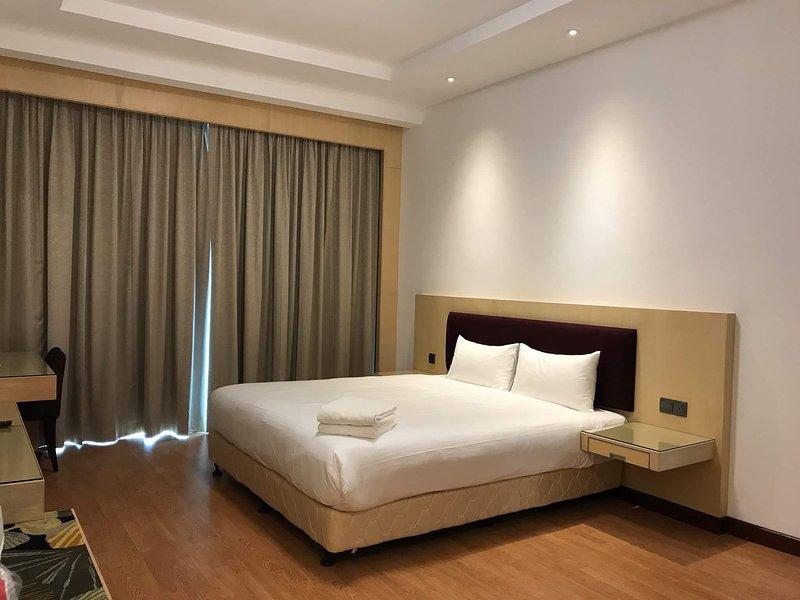 Imperial Suites Apartment (3 Bedrooms) 1307, holiday rental in Kota Samarahan