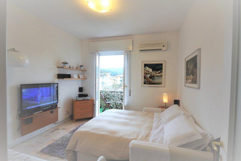 Appartamento piano attico zona porto, vacation rental in Portofino