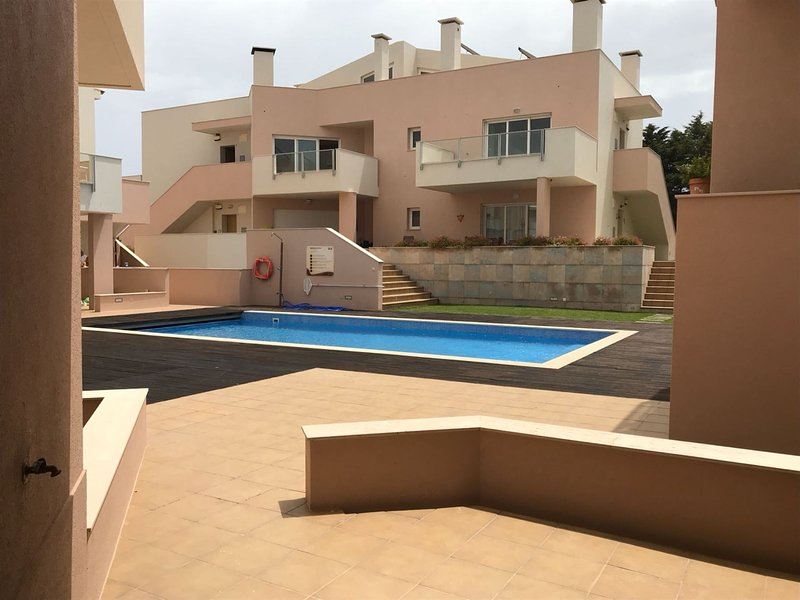 Beautiful Apartment in the stunning town of Burgau, Praia da Luz, Algarve, casa vacanza a Barao de Sao Miguel