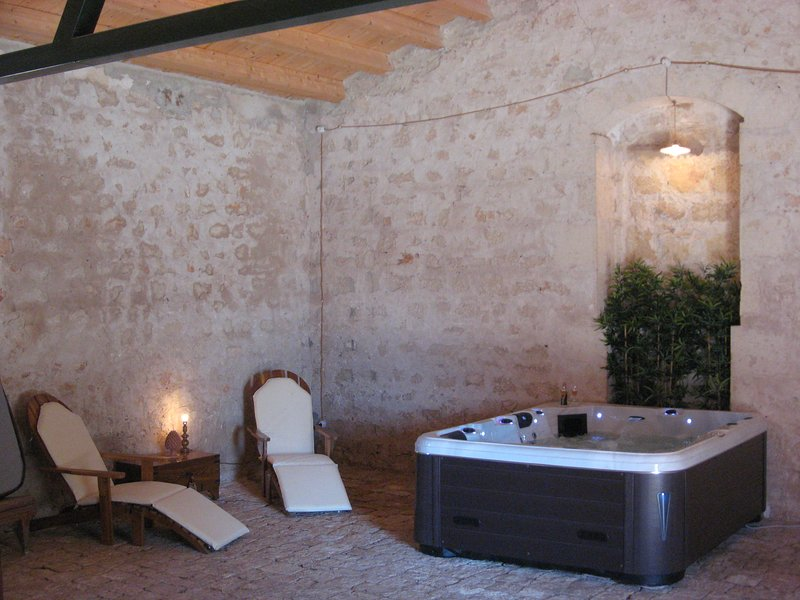 relaxation area with jacuzzi