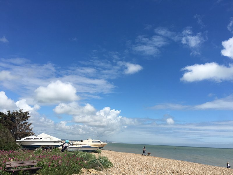 Pevensey Bay - beach front holiday rental home, holiday rental in Pevensey