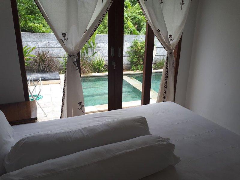 Villa das Meer 2BR villa near Lovina Beach, holiday rental in Dencarik