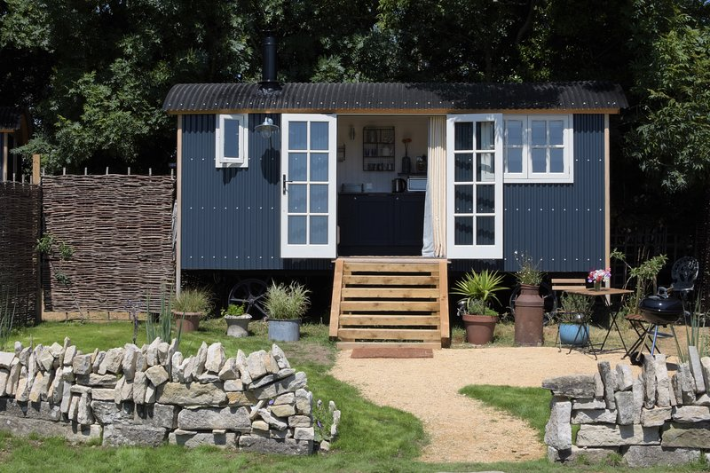 Purbeck Shepherd Huts - Winspit, holiday rental in Worth Matravers