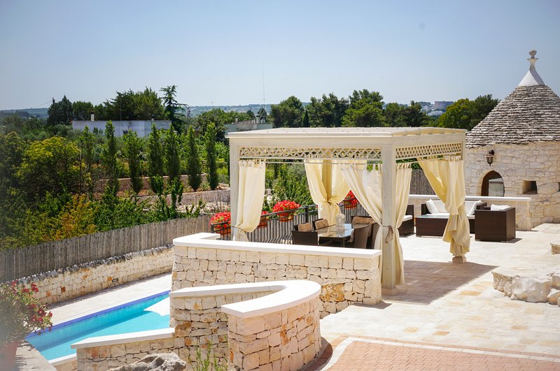 Coreggia Villa Sleeps 6 with Pool and Air Con - 5666563, vacation rental in Coreggia