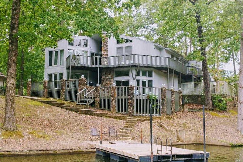 Unit 0002, vacation rental in Hot Springs Village