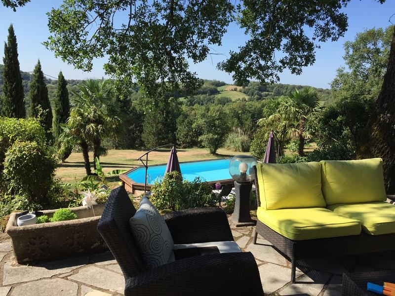 Spacious villa with swimming-pool, holiday rental in Le Pescher