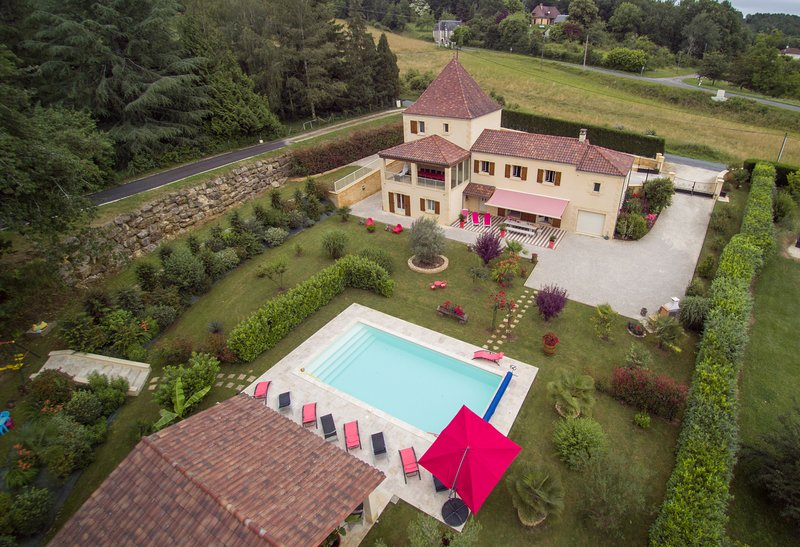 Mallegale Haute Rental in Sarlat 4 / 8pers with heated and private pool.