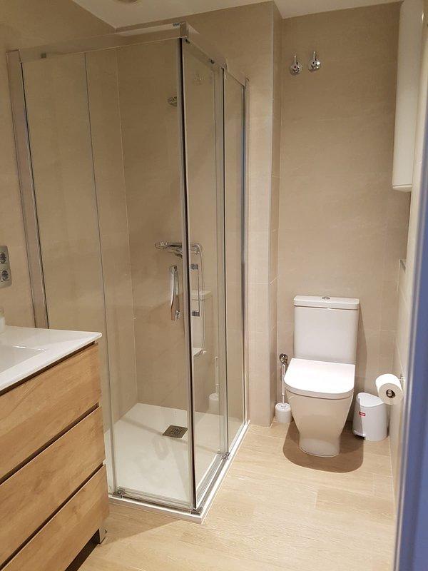 10th floor bathroom