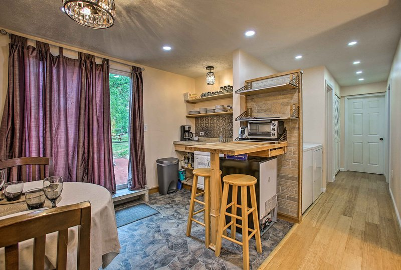 The brand new kitchenette features everything you need for a hearty vacation!