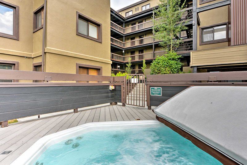 Photo of Crested Butte Condo w/Hot Tub - Walk to Ski Slopes