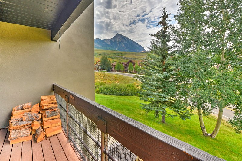 Look out to dramatic mountain views from the private balcony!