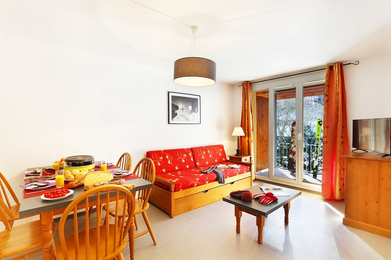 Welcome to our lovely 2 Bedroom apartment in Ax-Les-Thermes!