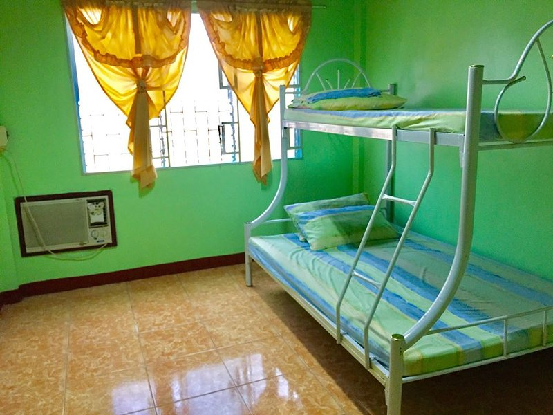 Lopez Santiago Hometel, vacation rental in Bicol Region