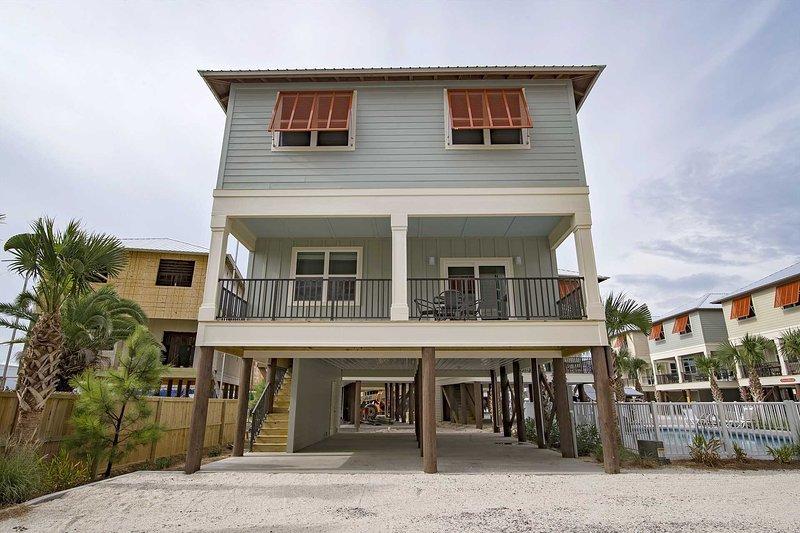 3 Bedroom + Bunk Area ~ Pet Friendly ~ Tipsy Turtle ~ Pool Access ~ Sleeps 10!, alquiler de vacaciones en Gulf Shores
