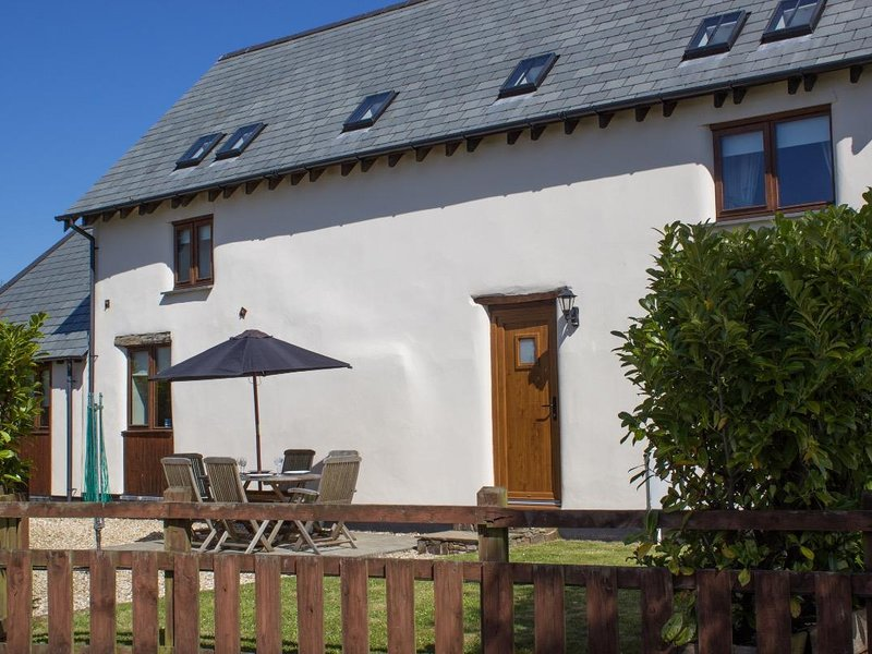THE CROFT, pretty barn conversion, spacious comfortable rooms, enclosed garden – semesterbostad i Holsworthy