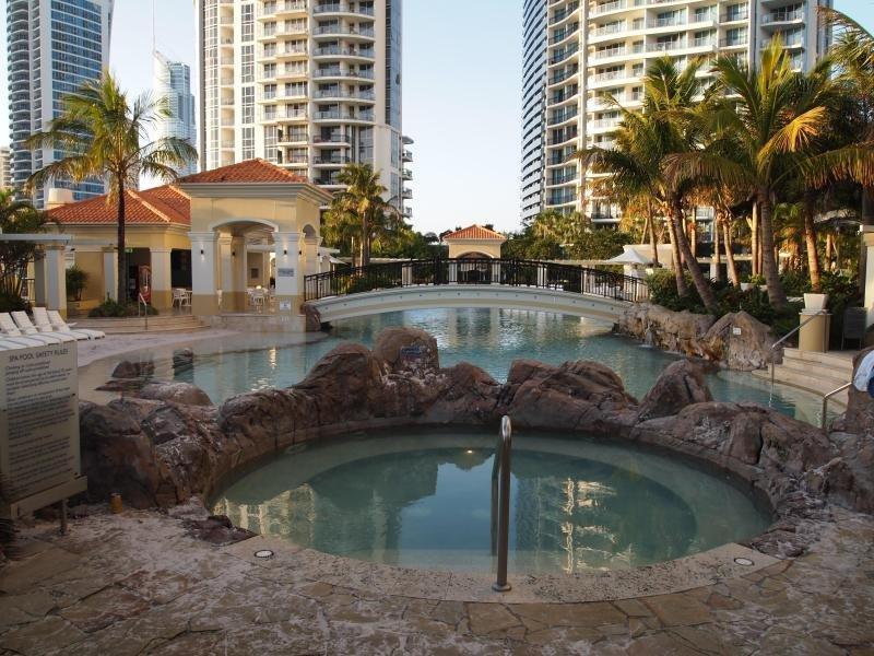 Praia e spa com piscina na lagoa