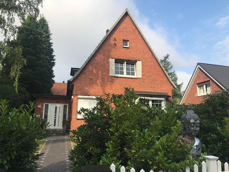 Blankenese,HH West, Luxus EFH, Garten, Carport, Voll Ausstattung,Nobel Area, holiday rental in Kaltenkirchen