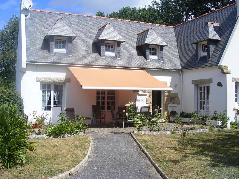 Pays bigouden centre : maison rénovée spacieuse proche des plages au calme, location de vacances à Saint-Jean-Trolimon