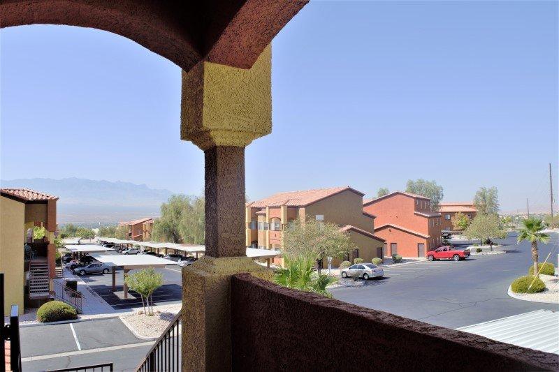Hawk Ridge Condo Near Golf Courses, holiday rental in Mesquite
