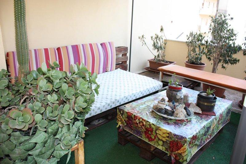 Carla Apartment ( silenzioso e luminoso appartamento a Bagheria), holiday rental in Ficarazzi