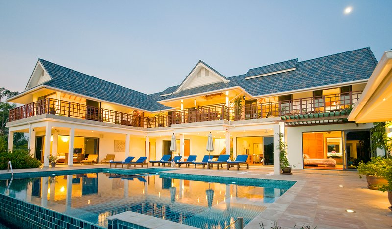 Icandi Hideaway Villa.Private Pool,Close to Beach & 6 bedrooms – semesterbostad i Hua Hin