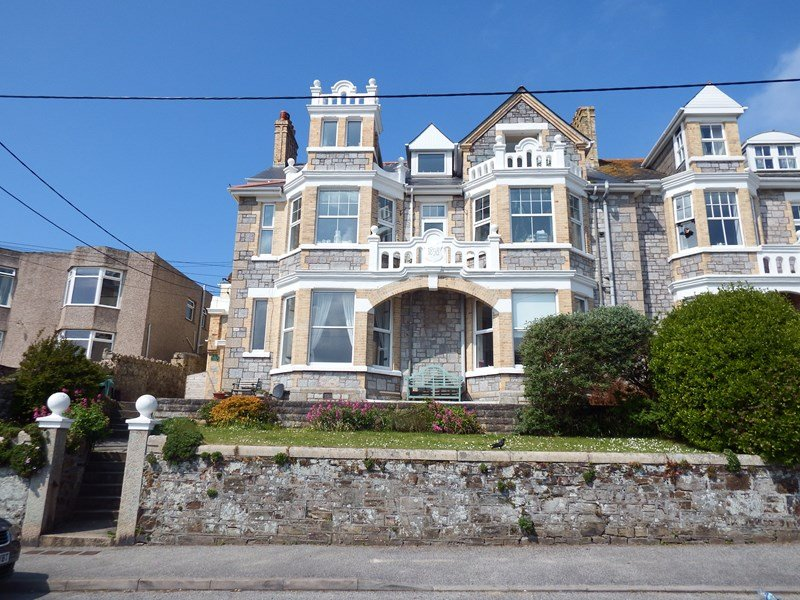 Lamorna Court Bed and Breakfast Perranporth Cornwall, holiday rental in Bolingey
