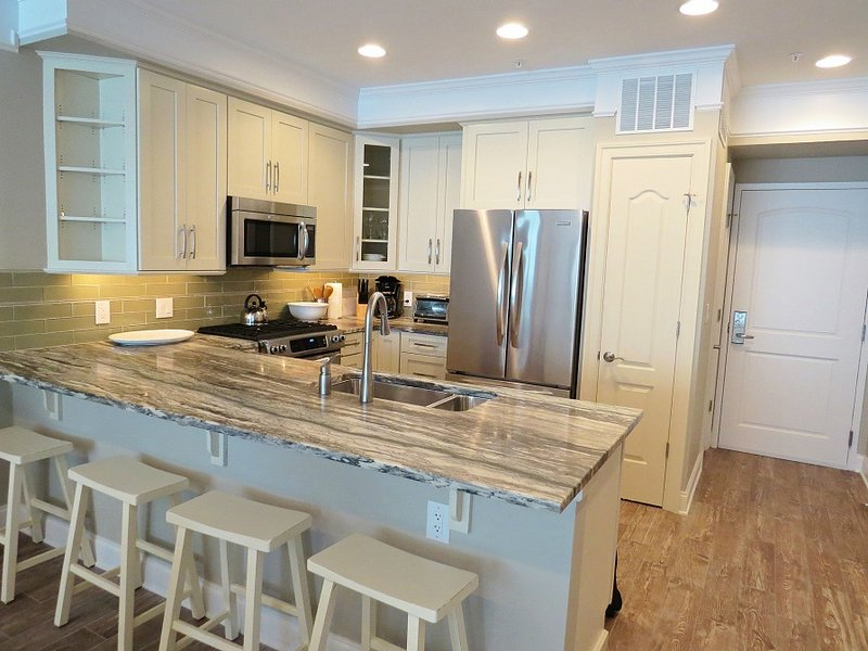 Gorgeous high end Kitchen w/ beautiful upgrades