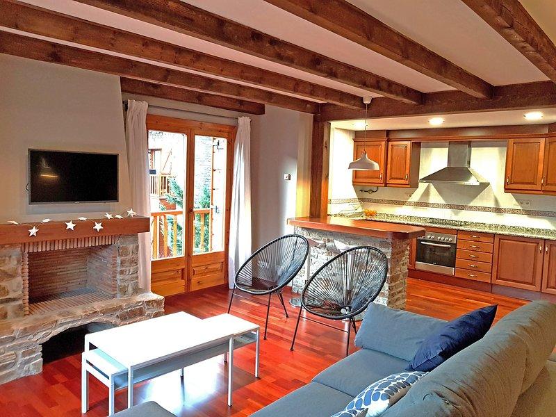 Apartamento dúplex Esterri d'Aneu, casa vacanza a Tornafort