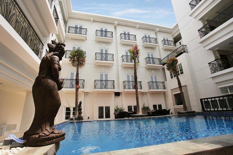 Indies Heritage Accommodation (Deluxe King Room 7), holiday rental in Banguntapan