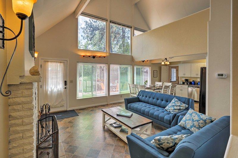 Questa affascinante casa vacanza A-frame vi aspetta a Prescott.
