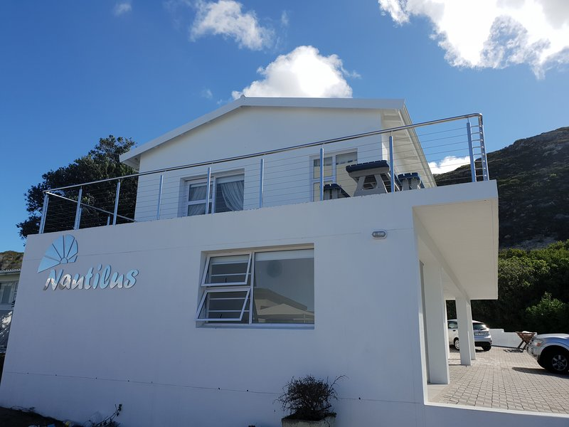 Periwinkle at Nautilus house sleeps 2 people comfortably and has spectacular views