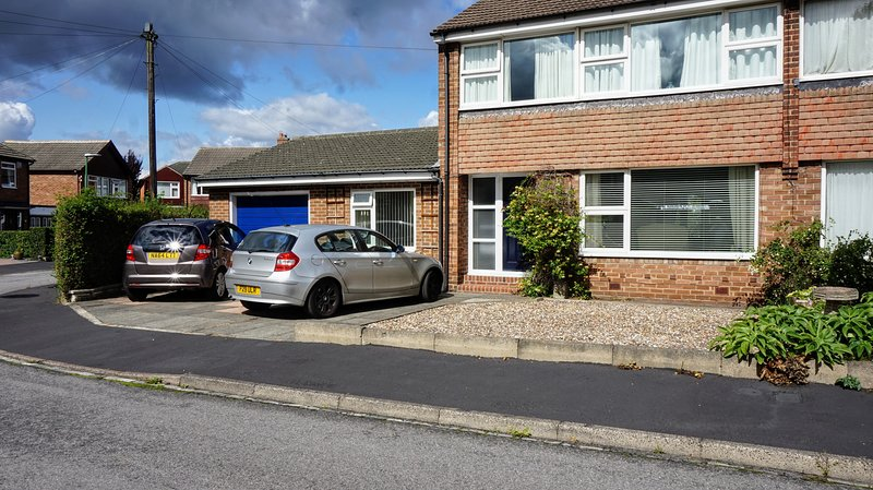 QUIET SELF CONTAINED APARTMENT WITH OFF ROAD PARKING