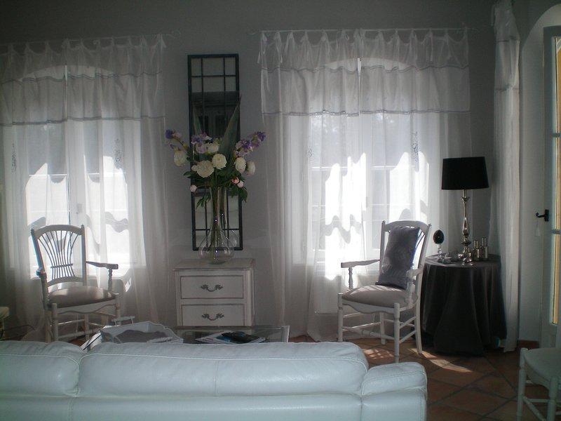 Charming apartment, great comfort, on an exceptional domain completely fenced and secure