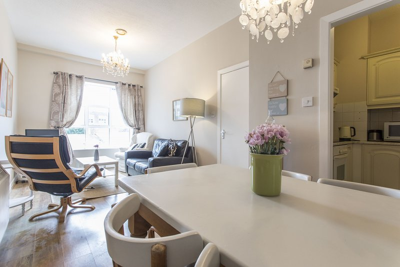 St Patricks Cathedral Self Catering, holiday rental in Templeogue