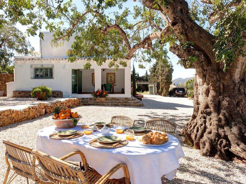 La Xara Villa Sleeps 7 with Pool and Air Con - 5666925, vacation rental in Muntanya la Sella