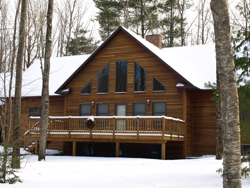 Frost House Luxury Home in the Woods, location de vacances à Sutton