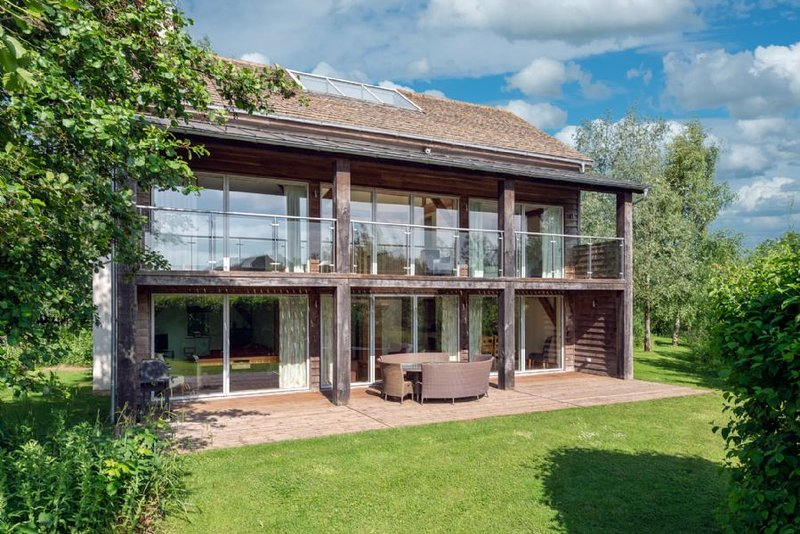 Spinney Falls House (CW87), Cotswolds, holiday rental in Cirencester