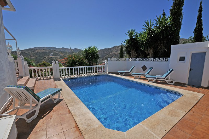 Poolarea with sunlonges and nice mountain view, pool is 7x4.3 meter