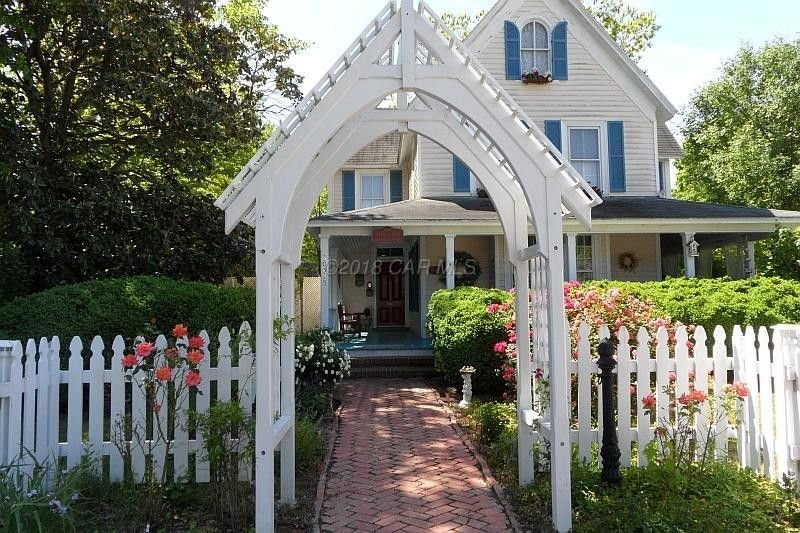 Victorian Bed & Breakfast - Jane Austen room, holiday rental in Marion Station