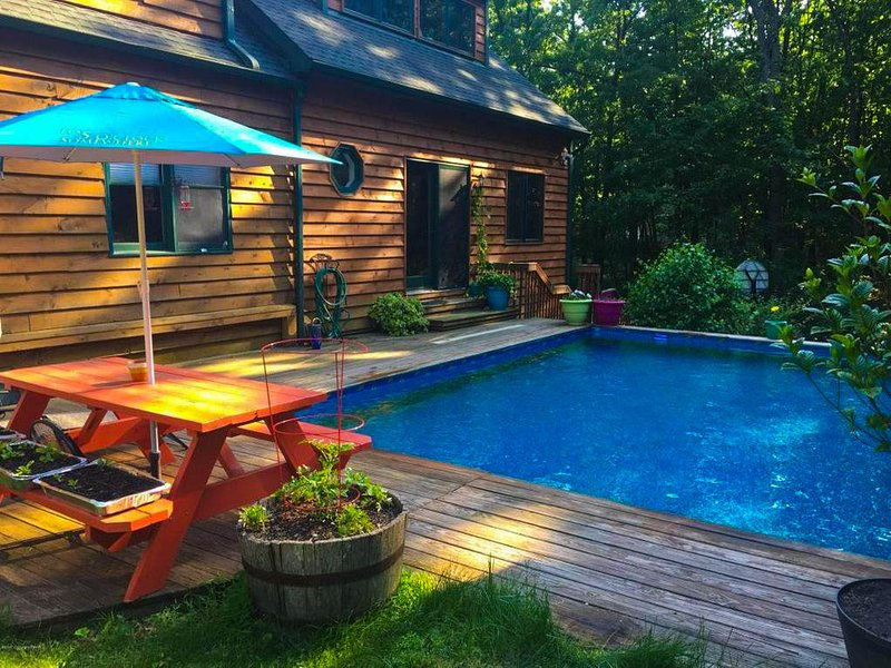 Log house with private heated pool has air conditioning and washer updated 2018 tripadvisor for Pocono rental with private swimming pool