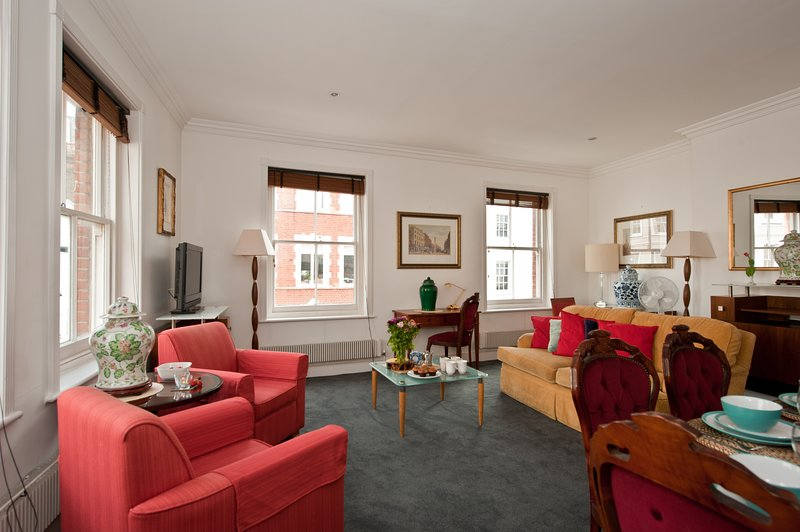 Deluxe 2 Bedroom Soho London Apt Has Washer and Wi-Fi ...