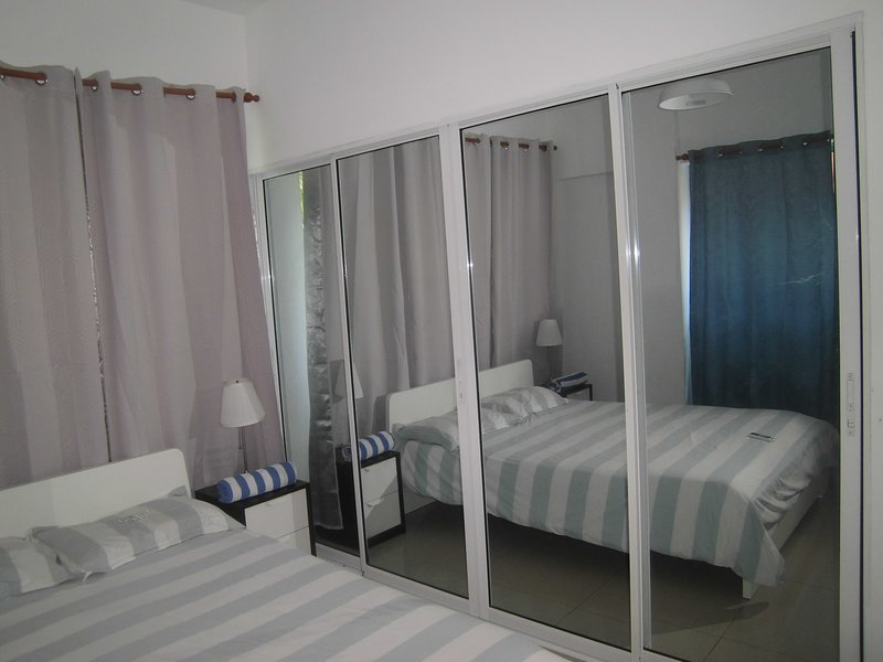 Luxury apartment Aromas del Mar with A/C, holiday rental in San Cristobal