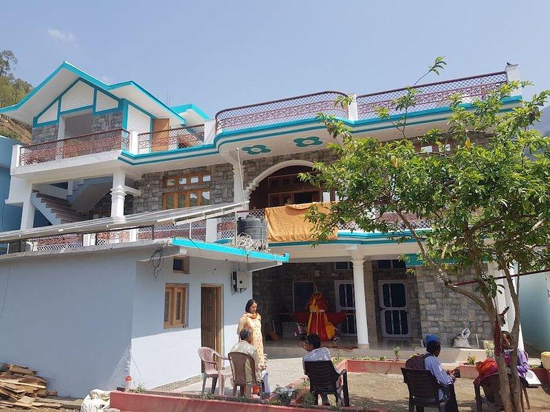 Hill dew homestay (Bedroom 3), holiday rental in Uttarkashi