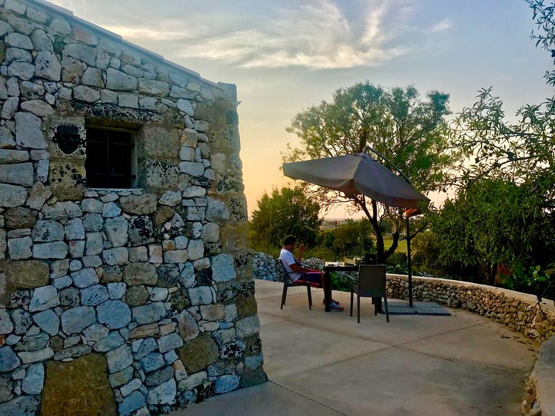Beautiful studio with terrace, vacation rental in Montesardo