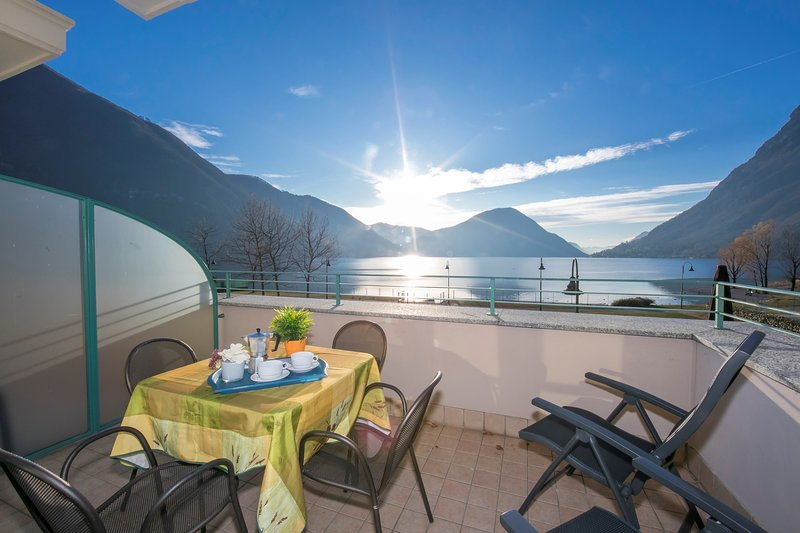 Porto Letizia P12, vacation rental in Province of Como