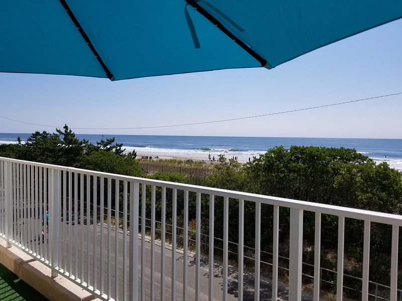 Oceanfront condo, holiday rental in Sea Isle City