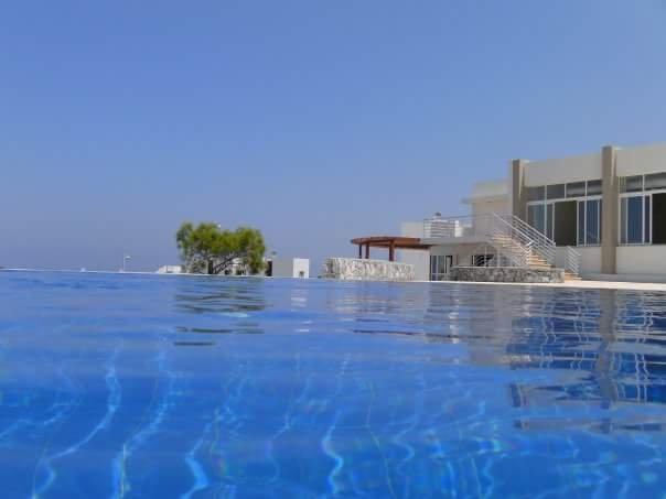 1Bed Penthouse apt fully furnished. Open plan living, holiday rental in Tatlisu