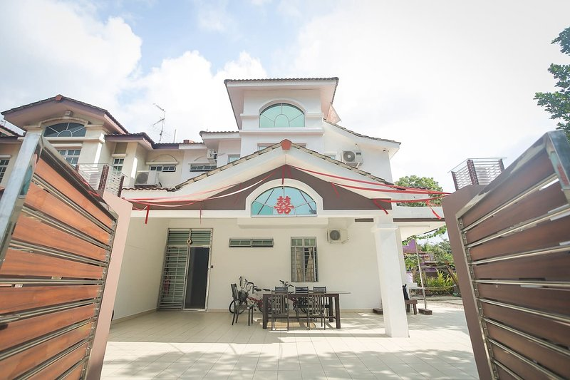 DesaTebrau-NewStar Homestay-Wedding Bridal House, vacation rental in Johor Bahru