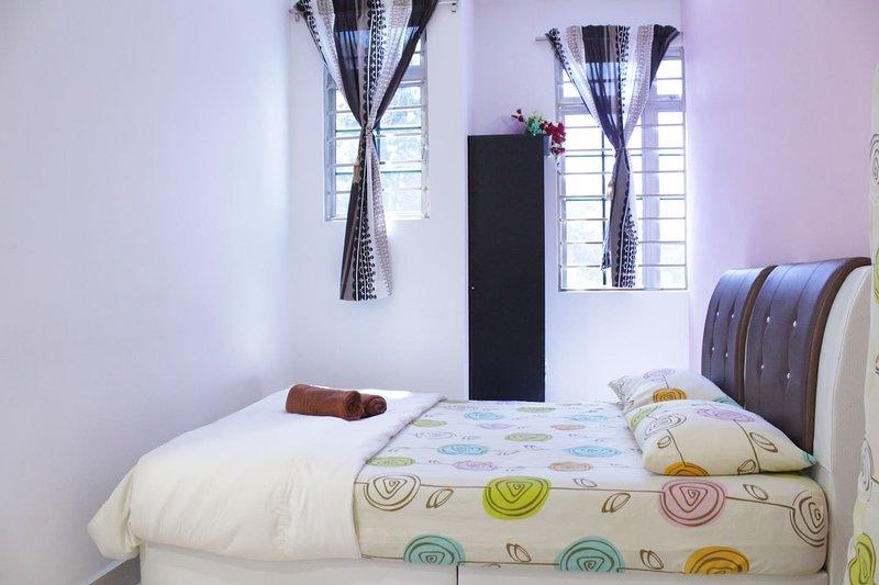 DesaTebrau-NewStar-Warmful Family Room, holiday rental in Pasir Gudang