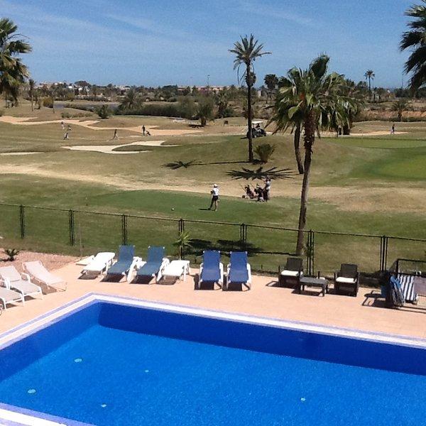 2 bed apartment, pool,golf and sea views, casa vacanza a El Carmoli